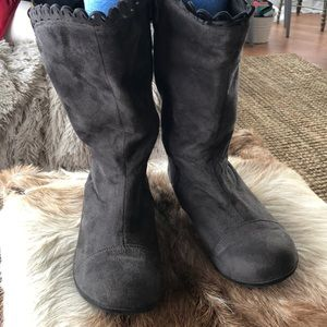 Comfortview Gray Suede Boots 10